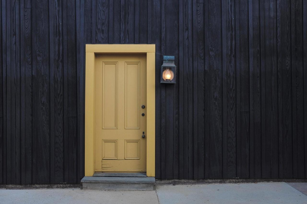 Да сложим ли втора входна или да сложим само една входна врата?